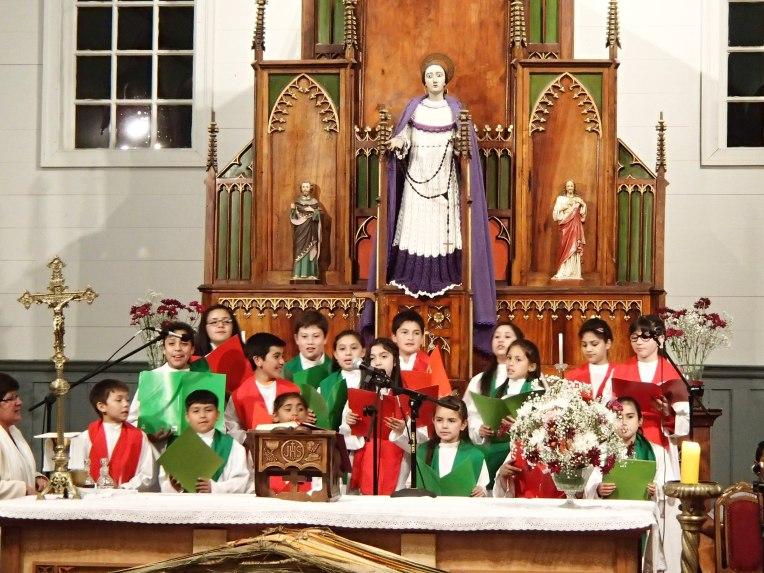 Missa natalina em Dalcahue, Chiloé, no Chile