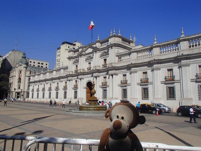 Mucuvinha no Palácio de la Moneda, em Santiago